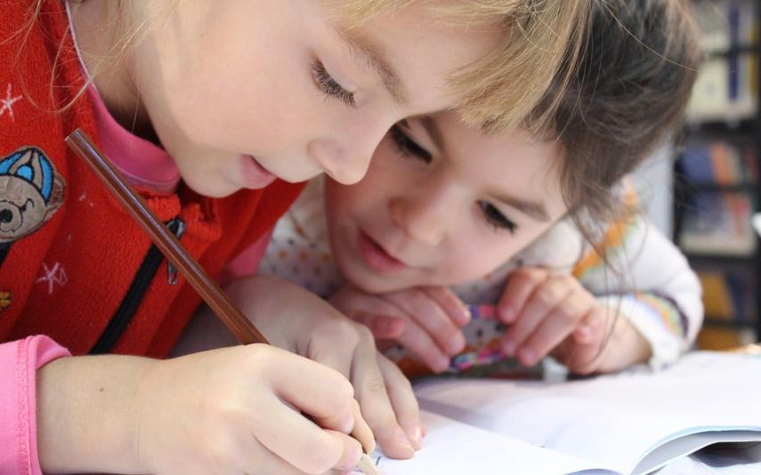 Principais causas da perda auditiva em crianças