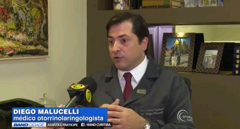 Entrevista: especialista fala sobre o aumento dos casos de otite no verão
