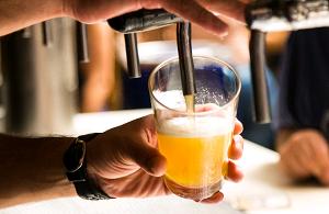 bebida-alcoolica-enxaqueca-sintomas-otorrinos-curitiba