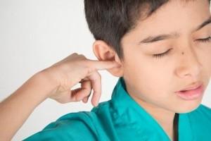cotonete-empurrar-objeto-ouvido